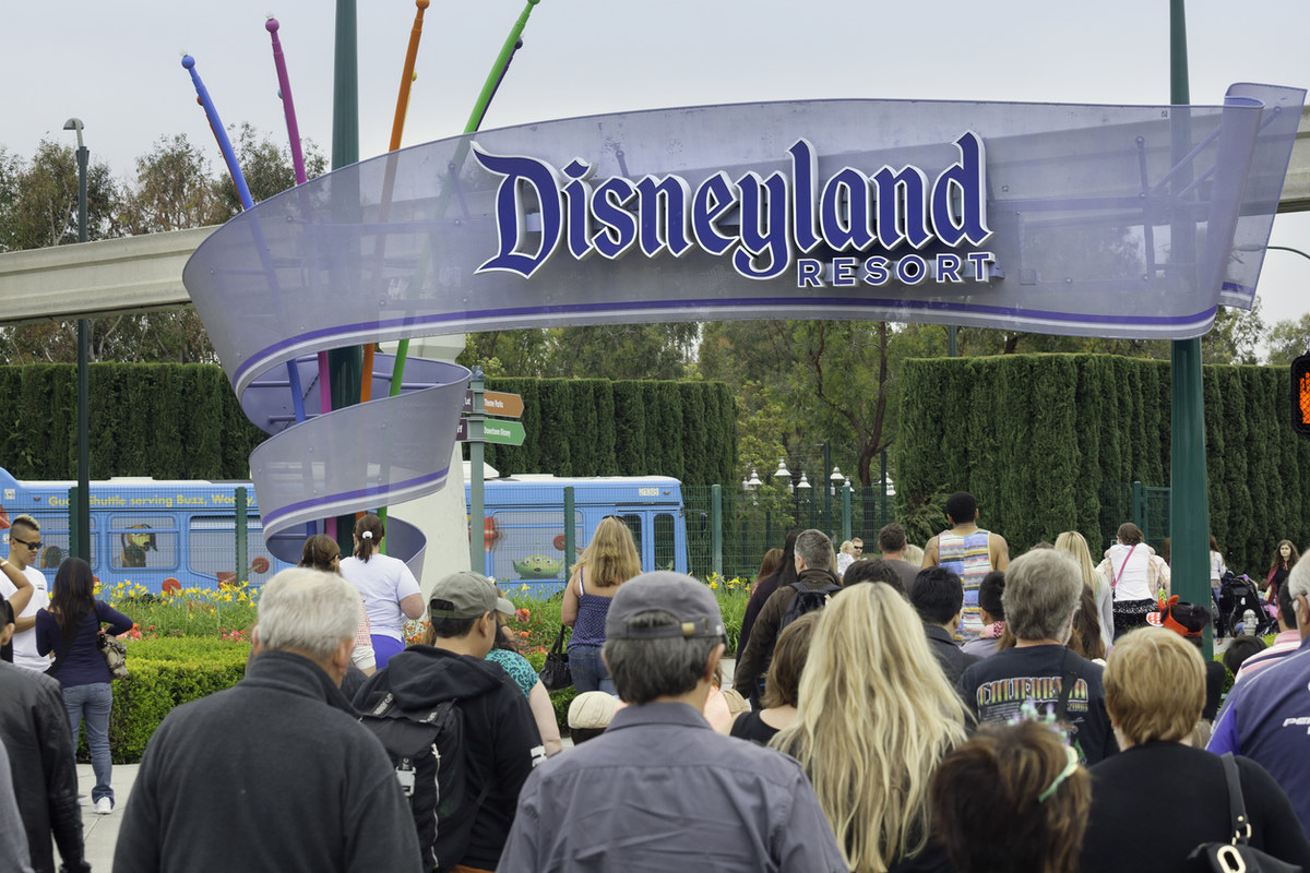 Disneyland Workers file a lawsuit alleging they aren't paid Minimum Wage