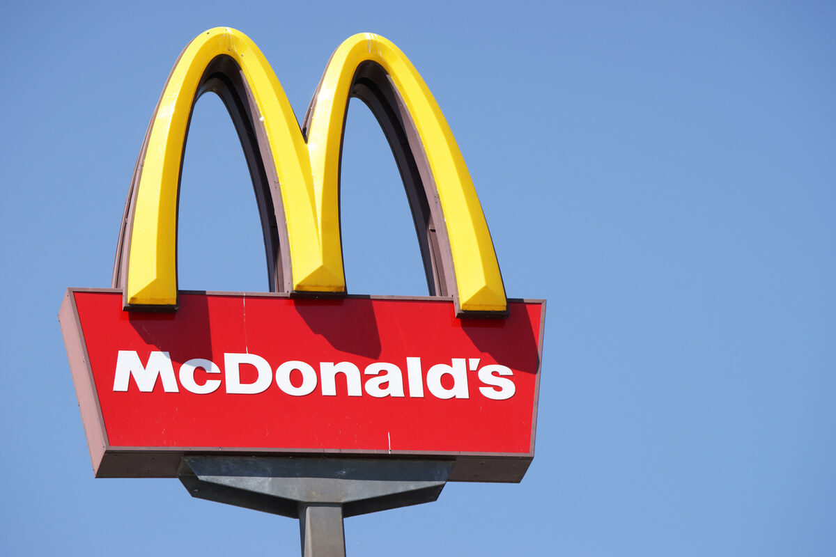 """McDonald's Employees """"Treated Like Dogs"""" Reach Settlement"""