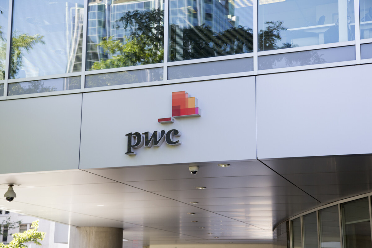 Auditor Whistleblower vs. PricewaterhouseCoopers