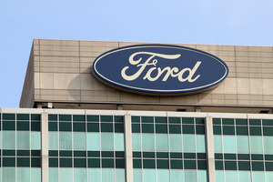 $1.2 Billion Class Action Lawsuit Targets Ford Fuel Economy Claims